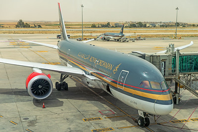 Royal Jordanian Boeing 787-8 Dreamliner JY-BAG 5-6-18 3