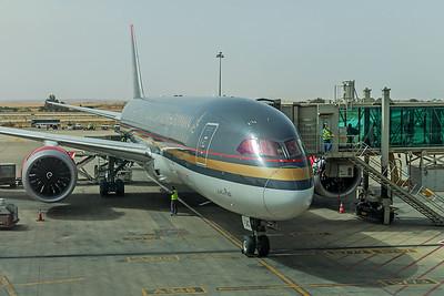 Royal Jordanian Boeing 787-8 Dreamliner JY-BAC 5-6-18
