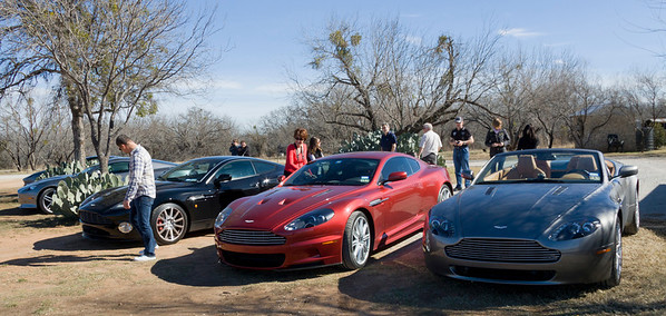 Cars lined up at the Barking Rocks winery on Sunday morning.