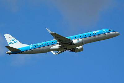 KLM Cityhopper Embraer 190-100STD PH-EZO 9-27-15
