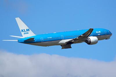 KLM Asia Boeing 777-206(ER) PH-BQK 9-27-15