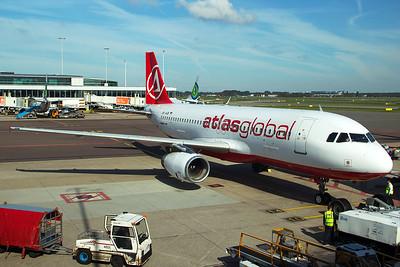 AtlasGlobal Ukraine Airbus A320-233 UR-AJB 9-29-15