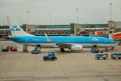 KLM Royal Dutch Airlines Boeing 737-8BK PH-BXU 10-28-17