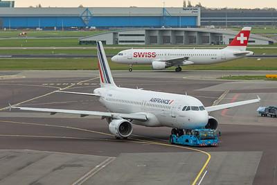 Air France Airbus A320-214 F-HBNB 10-25-17