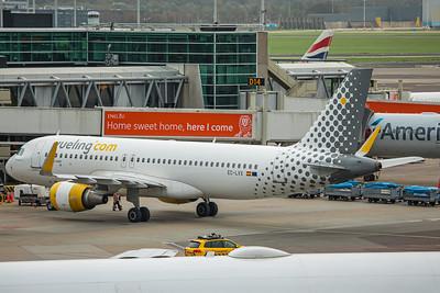 Vueling Airbus A320-214 EC-LVX 10-25-17 2