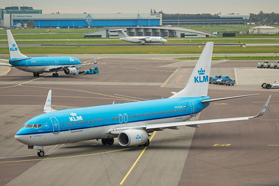 KLM Royal Dutch Airlines Boeing 737-8K2 PH-BCE 10-25-17 3