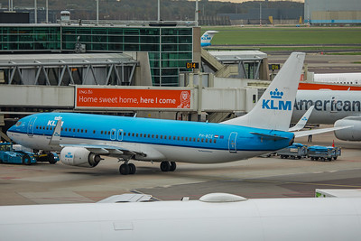 KLM Royal Dutch Airlines Boeing 737-8K2 PH-BCE 10-25-17