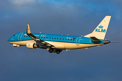 KLM Cityhopper Embraer ERJ-170-200 PH-EXJ 10-22-19