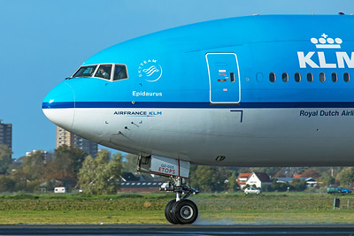 KLM Royal Dutch Airlines Boeing 777-206(ER) PH-BQE 11-2-19