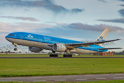 KLM Royal Dutch Airlines Boeing 777-206(ER) PH-BQA 10-22-19