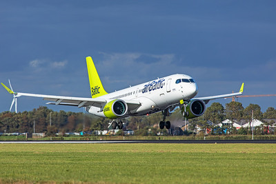 Air Baltic Airbus A220-300 YL-CSN 9-3-19