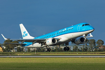 KLM Cityhopper Embraer ERJ-190-100STD PH-EZU 9-3-19