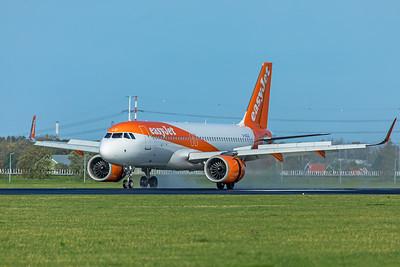 easyJet Airbus A320-251N G-UZLD 11-2-19