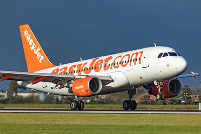 easyJet Airbus A319-111 G-EZAT 9-3-19