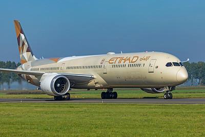 Etihad Airways Boeing 787-10 Dreamliner A6-BME 10-9-21