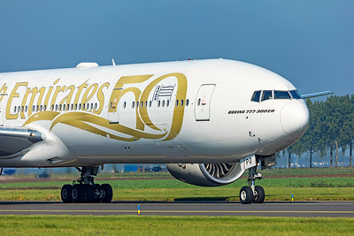 Emirates Boeing 777-31HER A6-EPO 10-9-21 2