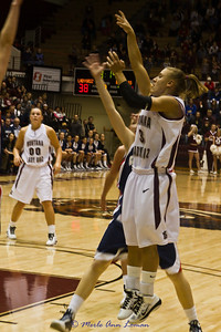 Lexi shooting for two.
