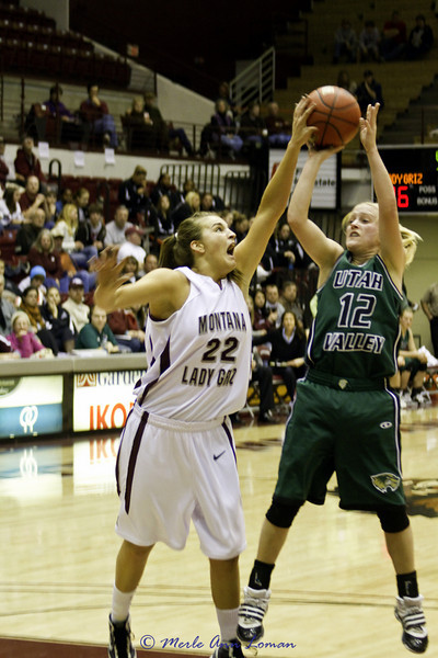Katie Baker with a block