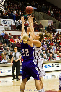 Katie Baker going to the basket