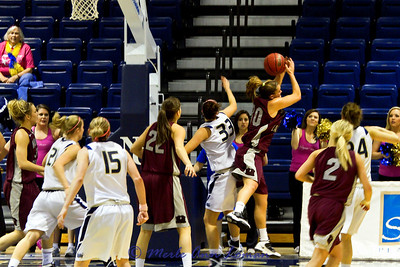 Steph Stender with an athletic rebound.