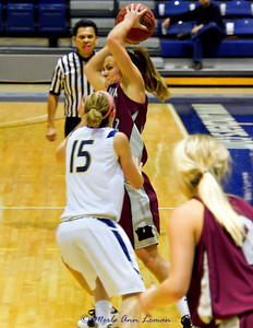 Steph Stender trying to move the ball around.