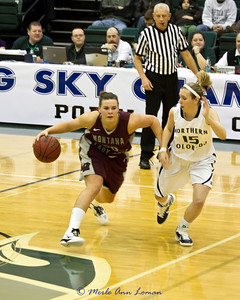 Alyssa Smith bringing the ball up the floor.