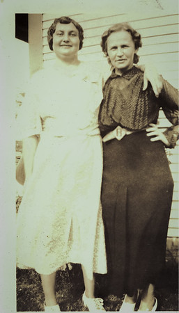 Agnes Sedy LeCoump visiting Aurthur's mother and relatives in Oklahoma