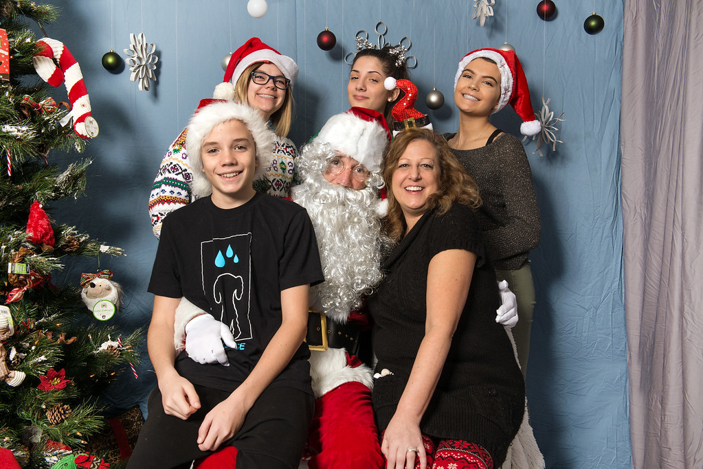 Pet Place Market team-Santa Paws 2017