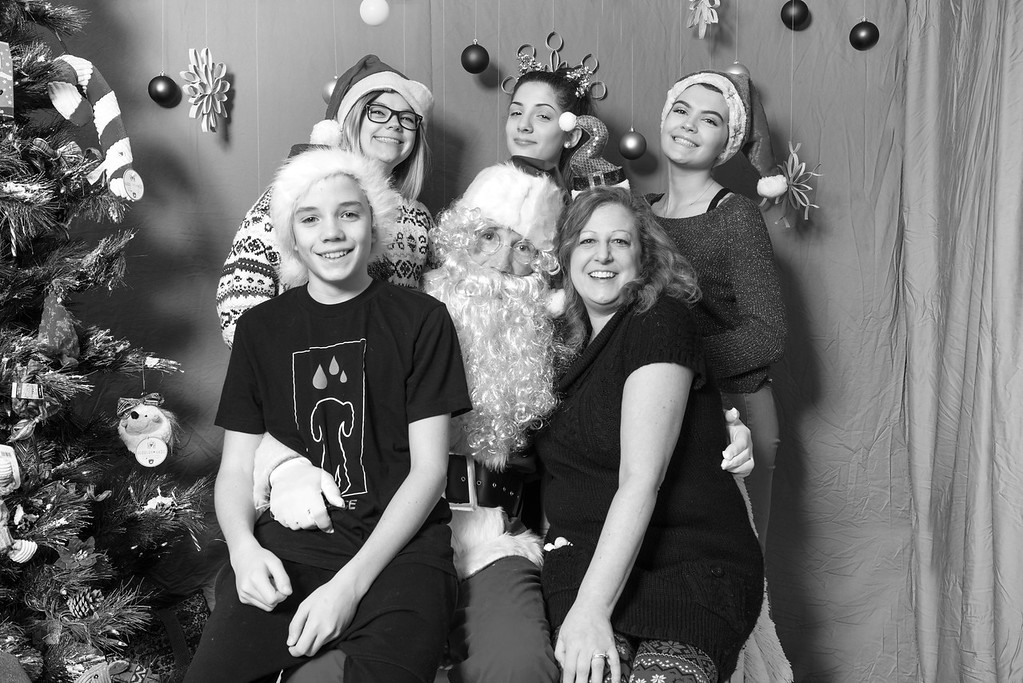 Pet Place Market team-Santa Paws 2017 bw