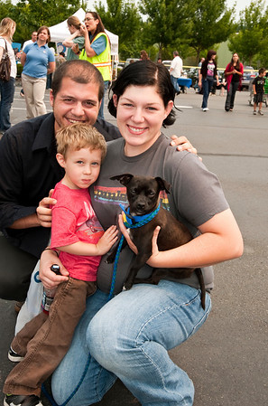 united we stand-Woodinville Wags & Whiskers adoption fair 8-1-2010
