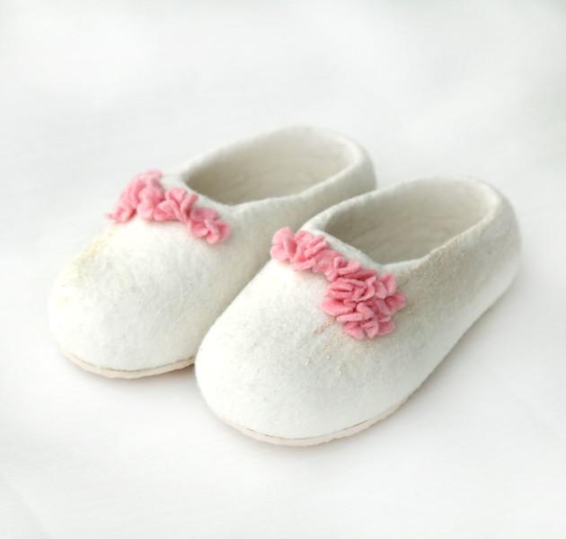The elegant princess shoes...