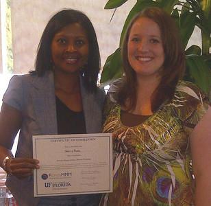 Sherry Ross receives her Master Money Mentor Certificate.