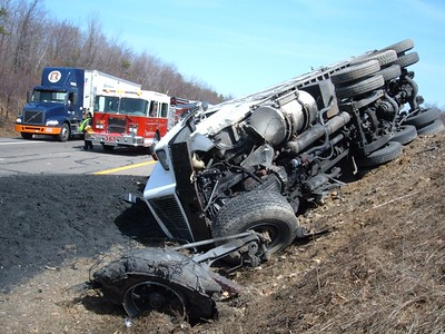 PICTURES ARE FROM ALTAMONT'S FIRE COMPANY WEBSITE http://www.altamontfire.org/pastincidents06.htm