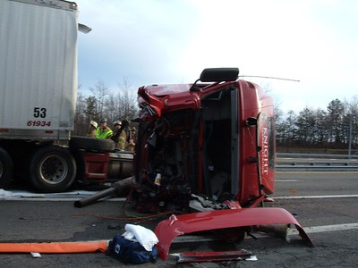 INTERSTATE 81 - NEW CASTLE TOWNSHIP MULTIPLE VEHICLES and TRACTOR-TRAILER ACCIDENT w/ ENTRAPMENT 4-10-08