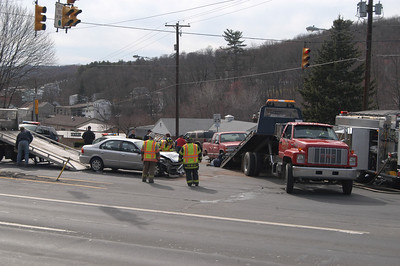 POTTSVILLE CITY VEHICLE ACCIDENT 4-13-2009 PICTURES AND VIDEOS BY COALREGIONFIRE