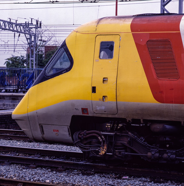 APT-P on a test run at Crewe, on 20th August 1985. Scanned transparency.