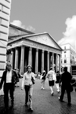 THE ROMAN PANTHEON, ROME, ITALY