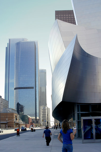 This picture shows part of the Walt Disney Opera House, (shown on the right), the Museum of Contemporary Art, the low brick building on the left and one of the high rise office building at the background. The Disney Opera House is clad in brushed stainless steel throughout the exterior and a lot of wood finish inside.