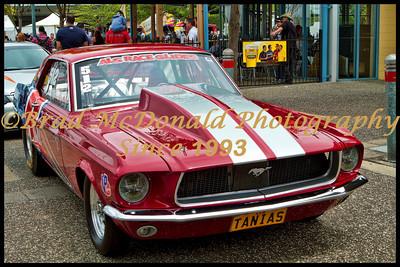 BRADMcDONALD-V8 SUPERCARS  041211_1900a