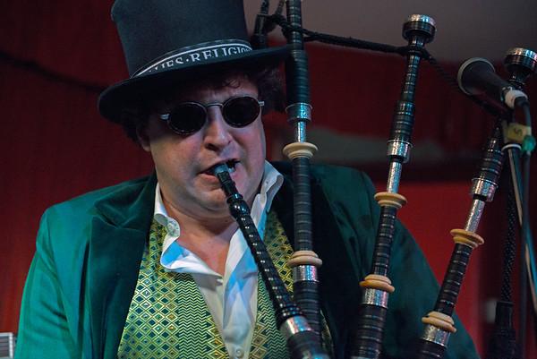 Dr Schwamp at Magic Garden May 2014