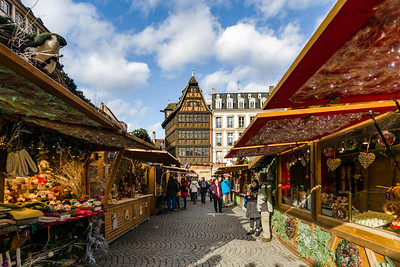 Editorial: 27th November 2019: Strasbourg, France. Christmas market. View of the Kammerzel house.