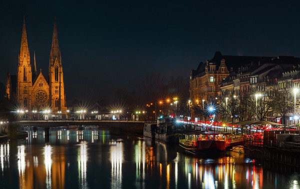 High resolution panoramic view of Strasburg and Ill river at night
