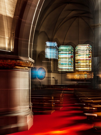 The effect of the moving space of the interior of the cathedral in red tones