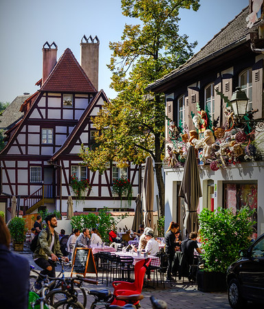 Editorial,24th September 2016: Strasbourg, France. Summer day in the touristic center of Strasbourg. People walking, sitting in cafe