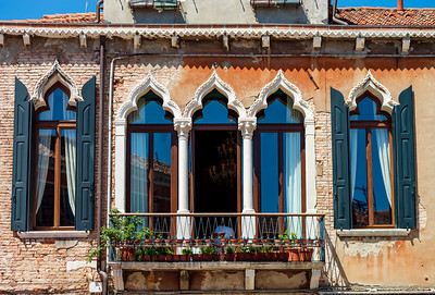 The beautiful antique lancet windows of Venice. Style, beauty and history. Non-classic tourist views.