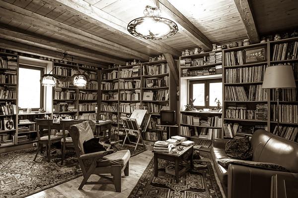 Vintage interior of personal bibliotek, calm and comfort indoor place