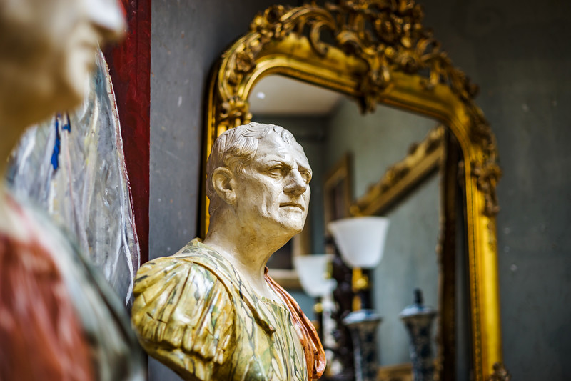Decorative interior sculpture in antique shop, Bruxelles