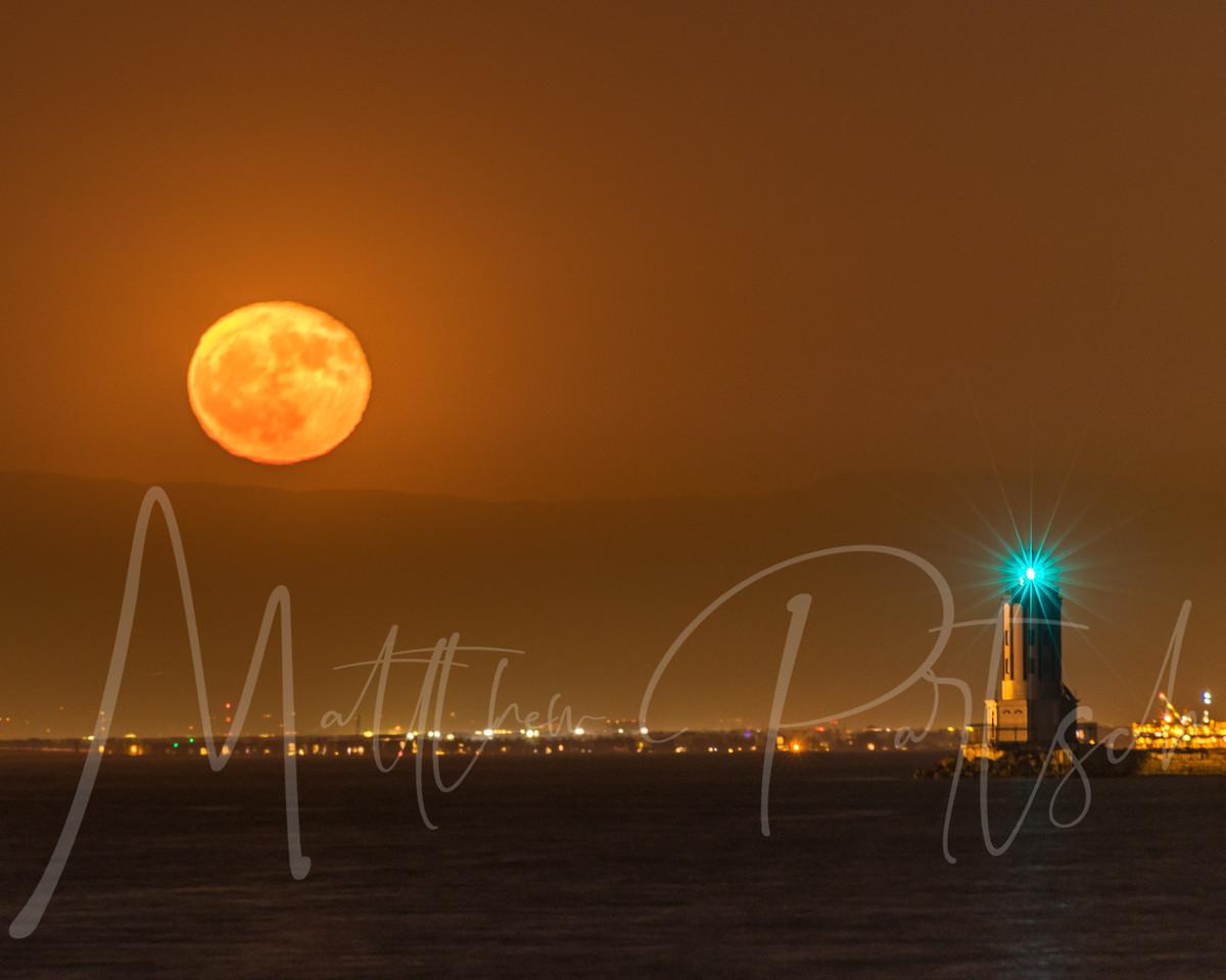 Moon Rise in San Pedro, CA