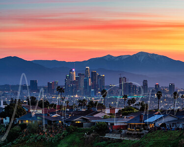 Amazing Sunrise this morning from Kenneth Hahn.  With @christineannho @rmedinag450 @evosia @instron.depot @jw88photo