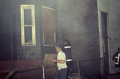 8/3/1977 - SOMERVILLE, MASS - WORKING FIRE 3 AUTUMN ST